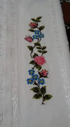 This Pin was discovered by Gul Cross Stitch Rose, Cross Stitch Embroidery, Cross Stitch Patterns, Beaded Shoes, Cross Stitch Kitchen, Bargello, Needlework, Diy And Crafts, Floral