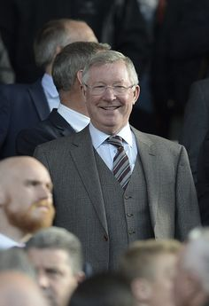 """""""Fergie looking pretty chuffed in his 3 piece suit Inspirational Leaders, Sir Alex Ferguson, 3 Piece Suits, Manchester United, Hero, The Unit, Tv, Pretty, Leadership"""