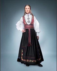 "Eltorn Bunad Atelier AS on Instagram: ""Beltestakk med Brekkeparken mønster på forkle og brokadeliv. #beltestakk #eltornbunadatelier"" Traditional Outfits, Victorian, Dresses, Fashion, Vestidos, Moda, Gowns, Fasion, Dress"