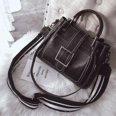 sac cuir ceinture noir 21*24.5*11.5 cm