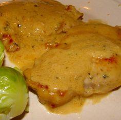 Receita de Lombinho de Porco com Molho de Mostarda - http://www.receitasja.com/receita-lombinho-porco-com-molho-mostarda/