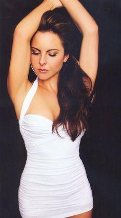Kate Del Castillo   Ella es una actriz mexicana muy buena.