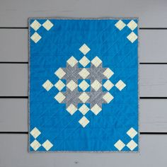 Meadow Mist Designs: Snowflake Shimmer Quilt Finish