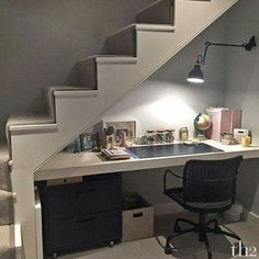 18 Useful Designs for Your Free Under Stair Storage Take advantage of unused space under the basement stairs with these inexpensive (and DIY! Basement Bedrooms, Basement Stairs, House Stairs, Basement Ideas, Basement Office, Basement Bathroom, Loft Stairs, Walkout Basement, Small Basement Apartments