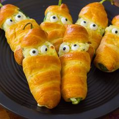 With Halloween just around the corner it's time to start planning your party menu! And theseMummy Jalape...