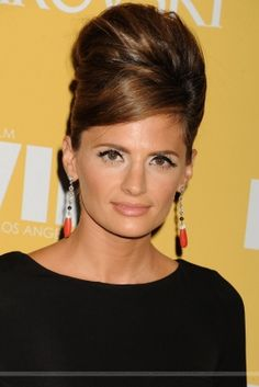 EVENTS: Stana Katic at the 2012 Women in Film Crystal & Lucy Awards