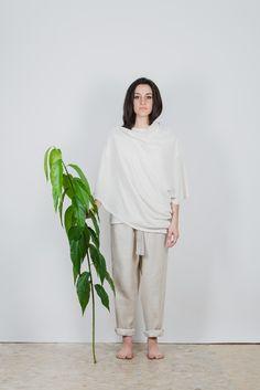 #Stola in jersey di #canapa 100% leggero, taglia unica. Puó essere indossata in 5 diversi modi in base a come si chiude. filotimo.it