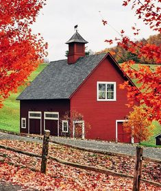"""New England Photography: """"Vermont in its prime photo by Country Barns, Country Life, Country Living, Barn Pictures, Autumn Scenery, Farm Barn, Country Scenes, Building A Shed, Building Homes"""