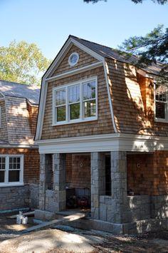 Cedar Shingle Accent Home Exterior In 2019 Cedar Shake