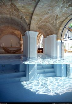 Indoor Swimming Pool Ideas - You want to build a Indoor swimming pool? Here are some Indoor Swimming Pool designs and ideas for you. Future House, Architecture Design, Water Architecture, Beautiful Architecture, Monumental Architecture, Design Architect, Piscina Interior, Indoor Swimming Pools, Lap Swimming