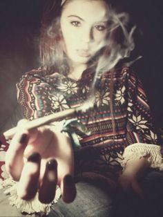Pretty Potheads, Sexy Stoners and more Beautiful Women Smoking Marijuana
