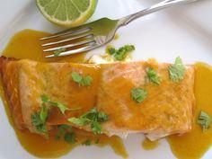 Salmón con Salsa de Maracuyá (Salmon with Passion Fruit Sauce)   Tip: Brown sugar instead honey gives great color ;-)