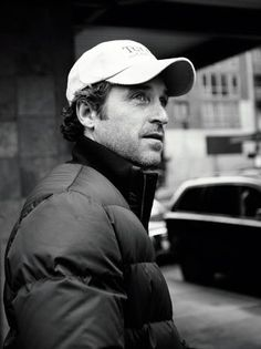 Patrick Dempsey Plans a Tully's Coffee in Malibu - Pret-a-Reporter