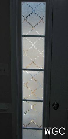 Wayward Girls' Crafts: Adding Privacy to Front Door Sidelights Sidelight Windows, Front Doors With Windows, Glass Front Door, Small Windows, Front Door Decor, Sidelight Curtains, Glass Doors, Front Door Curtains, Door Window Covering