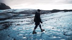 "A walk across Iceland nature. Video by Gilles Esteve. Music : Samaris - ""Góða Tungl"""