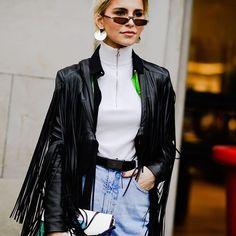 #pariscoutureweek @parisfashionweek | @carodaur 📸 @nyavgjoe @harpersbazaarus #streetstyle #streetfashion #fashion #fashionweek #pfw #spring18 #carolinedaur