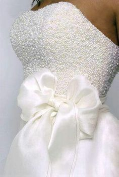 """dreamyweddingfantasies: """"Choosing the perfect wedding dress doesn't need to be difficult and time consuming. Here are 103 delicate wedding dresses ideas… will impress you! Read more: 103 Delicate. Dream Wedding Dresses, Bridal Dresses, Wedding Gowns, Aqua Dresses, Modest Wedding, Wedding Bells, Wedding Day, Bow Wedding, Stunning Wedding Dresses"""