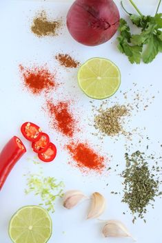 kruidenmix voor Mexicaanse burrito's Spices And Herbs, Fajitas, Burritos, Grapefruit, Alcoholic Drinks, Tacos, Dinner, Vegetables, Food Ideas