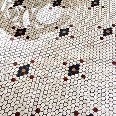 #hexagonlove Hall Flooring, Kitchen Flooring, Floor Design, Tile Design, Penny Tile, Hex Tile, Bathroom Floor Tiles, Tile Floor, Victorian Bathroom