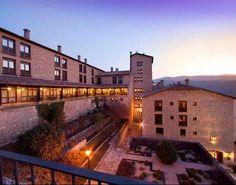 €80 Este hotel se encuentra en una mansión aragonesa, en el centro de esta localidad medieval llena de encanto.