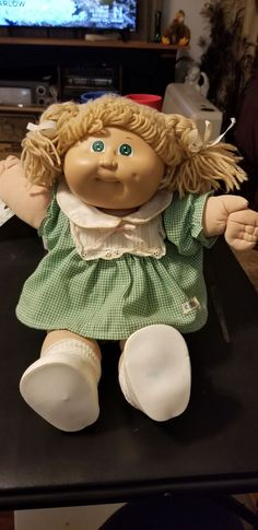 Blonde hair, green eyed girl doll with green checkered outfit. Outfit is a little dirty around the collar, but doll is in overall great condition for her age Checkered Outfit, Girl With Green Eyes, Cabbage Patch Kids Dolls, Girl Dolls, Blonde Hair, Teddy Bear, Outfits, Suits, Yellow Hair