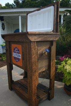 Pallet Cooler, Wood Cooler, Wood Projects, Woodworking Projects, Outdoor Projects, Outdoor Ideas, Cooler Stand, Ice Cooler, Small Outdoor Kitchens