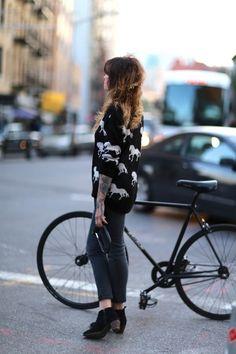 Bike Style New York streetstyler.  img via Fashables.
