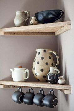 Corner shelf designs that save space and give a modern look kitchen wall shelves wood corner shelves crockery The decoration of home is like an exhibit space that reveals each of o. Rustic Corner Shelf, Corner Shelf Design, Kitchen Shelf Design, Diy Corner Shelf, Wood Corner Shelves, Kitchen Wall Shelves, Pallet Shelves, Hanging Shelves, Wooden Shelves