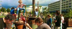 De Feelgood Market is een bruisende markt vol Design, Art, Fashion, Streekproducten, vintage, sieraden, lifestyle, kids stuff, (bio) Food en mooie, originele, eigenzinnige creaties van geïnspireerde ontwerpers, ambachtslieden en creatievelingen. Met daarnaast live- muziek, workshops, dans en theater. Er is altijd van alles te doen op de Feelgood Market. Er zijn natuurlijk ook veel activiteiten voor de kids, want als de kinderen blij zijn, kunnen de ouders ook relaxen.