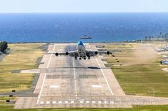 KLM 747-400 PH-BFH departing TNCM ST Maarten for Curacao