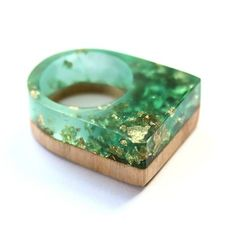 Ring by BoldB made out of Australian wood, colored raisin and gold flakes – on a-ce-soir.com