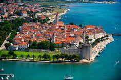 Het plaatsje Trogir ligt op 5 km afstand van Camping Belvedere