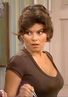 Classic Actresses, Hollywood Actresses, Beautiful Actresses, Actors & Actresses, Adrienne Barbeau, Vintage Hollywood, Classic Hollywood, Ageless Beauty, Glamour