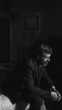 Logan, 2017 movie, Hugh Jackman, monochrome – Picture World Hugh Wolverine, Wolverine Claws, Wolverine Art, Logan Movies, Amoled Wallpapers, Old Man Logan, Movies And Series, Marvel Wallpaper, Marvel Art