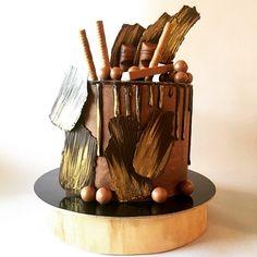#the_cakery_athens #chocolate #cake #baking #gold #cakedecorating #cakeart #cakeartist #cakeaddict #party #athens #art #food #delicious #drippingcake #chocolateorgasm