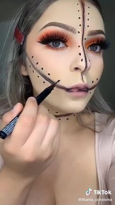 Halloween Costumes For Teens, Halloween Night, Halloween Make Up, Halloween Nails, Halloween Party, Halloween Decorations, Halloween Face Makeup, Makeup Ideas, How To Find Out