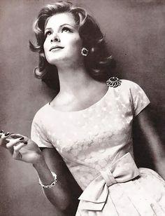 1959 // simple & ultra feminine dress