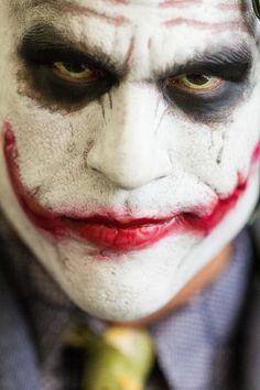 The Dark Knight Joker HD Figure. If you can find a more reasonable Heath Ledger as the Joker figure, that would be so sweet. Der Joker, Heath Ledger Joker, Joker Art, Joker Photos, Joker Images, Harley Quinn Halloween, Joker And Harley Quinn, Batman Comics, Dc Comics