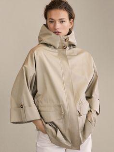 Raincoats For Women London Code: 9286280231 Mode Portfolio Layout, Fashion Portfolio Layout, Raincoats For Women, Jackets For Women, Mode Mantel, Moda Chic, Jacket Style, Fashion Outfits, Womens Fashion