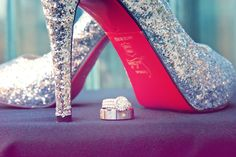 We love the bling on the ring AND the shoes! :) Photo by Stephen #minneapolisweddingphotographers