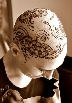 by Seema_Khan, via Flickr...I love the design but I wouldnt get it on my head!
