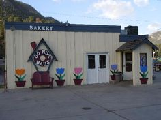 I'm hitting up Donut Haus when we're in Estes Park next month. I've read nothing but yummy reviews!