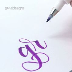 7 Calligraphy practice tips you need to start implementing into your practice today to make the most out of your calligraphy practice. Calligraphy For Beginners Worksheets, Calligraphy Lessons, Calligraphy Worksheet, Brush Pen Calligraphy, Calligraphy Practice, How To Write Calligraphy, Calligraphy Alphabet, Cool Lettering, Hand Lettering