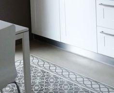 kitchen floor in eixample barcelona, raddi arquitectes
