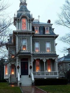 Architecture An awesome Gothic house. An awesome Gothic house. Victorian Architecture, Beautiful Architecture, Beautiful Buildings, Beautiful Homes, Architecture Design, House Beautiful, Building Architecture, Classical Architecture, Old House Design