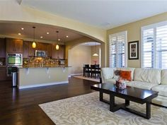 A great open floor plan.. a living room that flows right into the kitchen