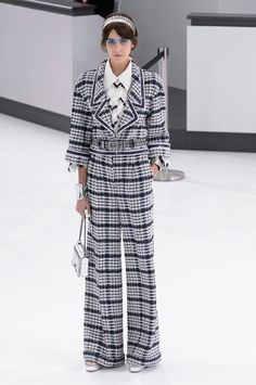 So parfait! J'adore!  Chanel Airlines 2016 S/S Runway
