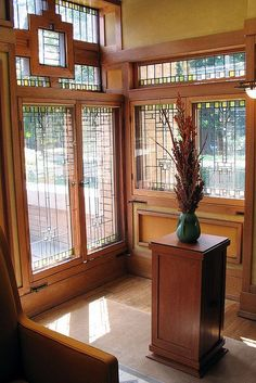 Meyer May House 2 is part of architecture Student House Galleries - Designed by Frank Lloyd Wright, Grand Rapids More here House 2, May House, Craftsman Style Homes, Craftsman Bungalows, Beautiful Architecture, Architecture Details, School Architecture, Frank Lloyd Wright Style, Architecture Organique