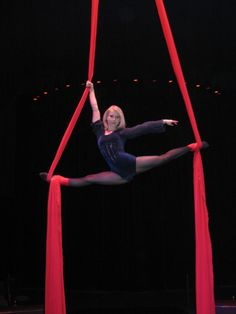 Cirque Imagine, Martina - tissu aérien