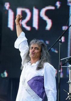 Veste tristă pentru fanii Iris. După zeci de ani de carieră, Cristi Minculescu părăseşte trupa. Iris, Funny, Irises, Funny Parenting, Entertaining, Hilarious, Humor, Humour